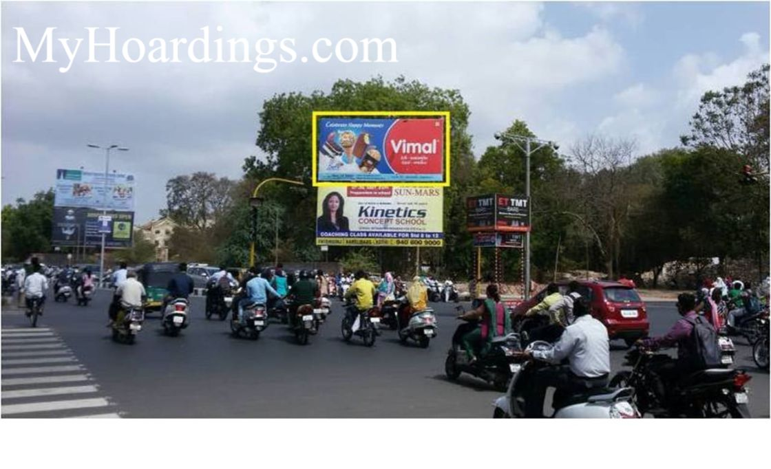 Best OOH Ad agency in Baroda, Billbord Company at Dandiya bazar cross Road in Baroda