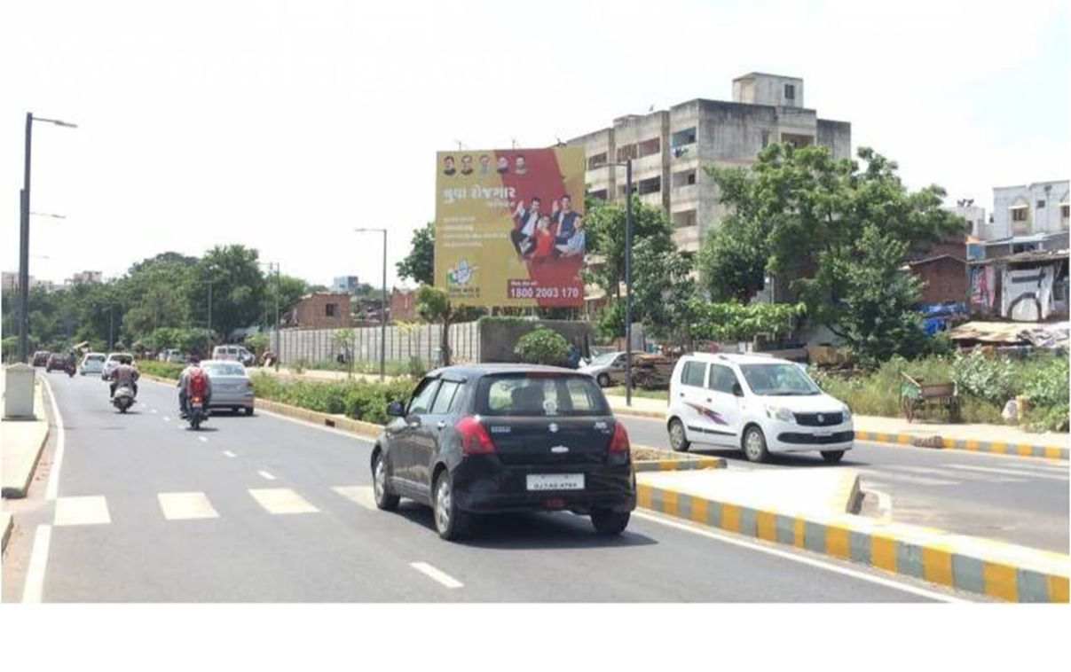 OOH Advertising Ahmedabad, Outdoor publicity companies Ahmedabad, Billboard Agency in Sabermati Riverfront in Ahmedabad