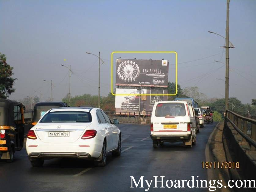 OOH Advertising University Flyover in Pune, Outdoor Publicity Companies, Hoardings Agency in Pune
