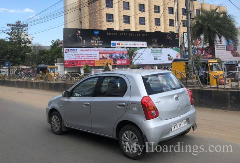 Outdoor advertising in India, Vadapalani Opposite Forum Mall Chennai Billboard advertising, Flex Banner