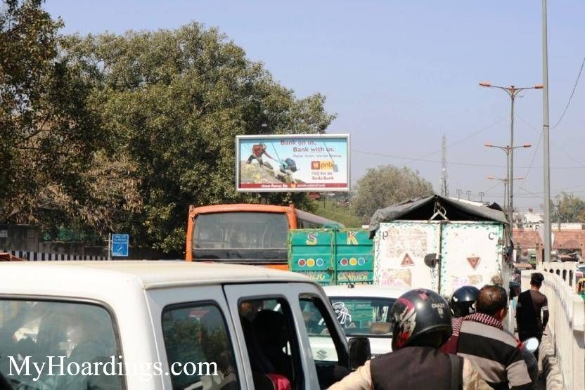 OOH Advertising New Delhi, Hoardings Agency in Bhagirath Palace towards GPO Old Delhi New Delhi, Flex Banner