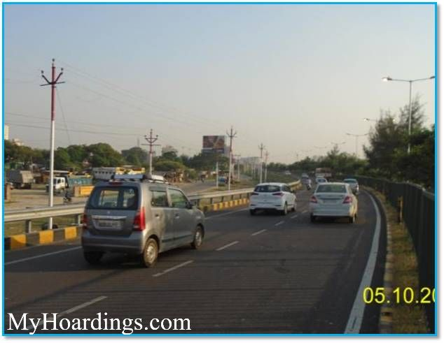 Outdoor Advertisement Billboard at Shaheed Path in Lucknow, Best Unipole advertising company in Lucknow